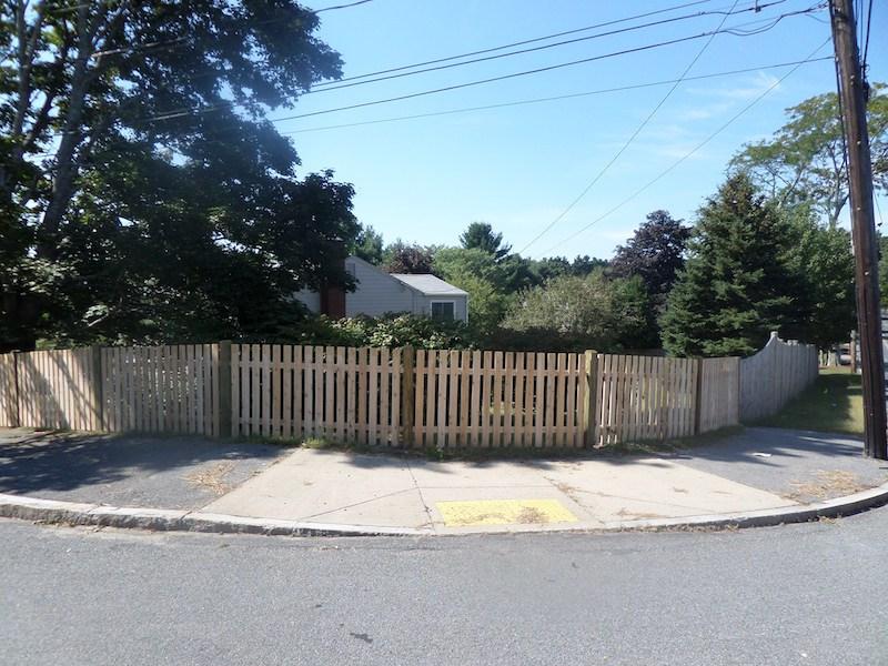 4' Cedar Spaced Board Wood Fence