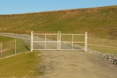 6' Galvanized Chain Link Double Drive Gate With Barbed Wire Fence